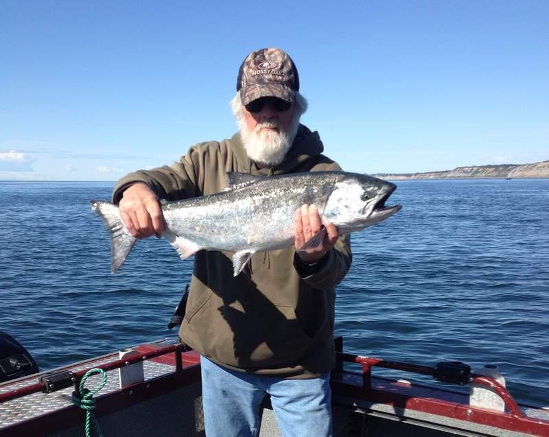 Ninilchik salmon fishing charters reel 39 em inn for Salmon fishing charters
